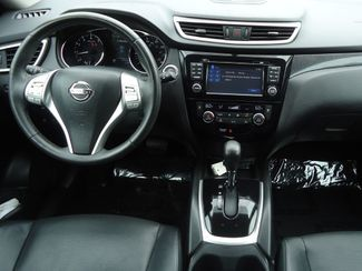2015 Nissan Rogue SL AWD  PREM PKG. PANORAMIC. NAVIGATION SEFFNER, Florida 28