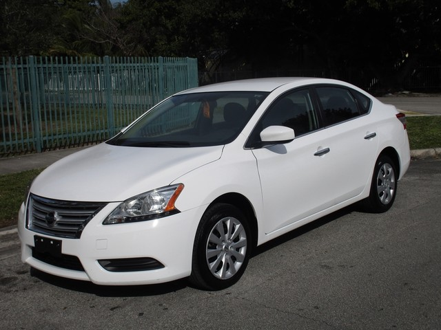 2015 Nissan Sentra SR Come and visit us at oceanautosalescom for our expanded inventoryThis offe