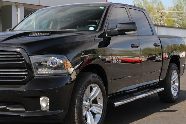 2015 Ram 1500 Sport Crew Cab RWD - NAVIGATION - SUNROOF! Mooresville , NC 26