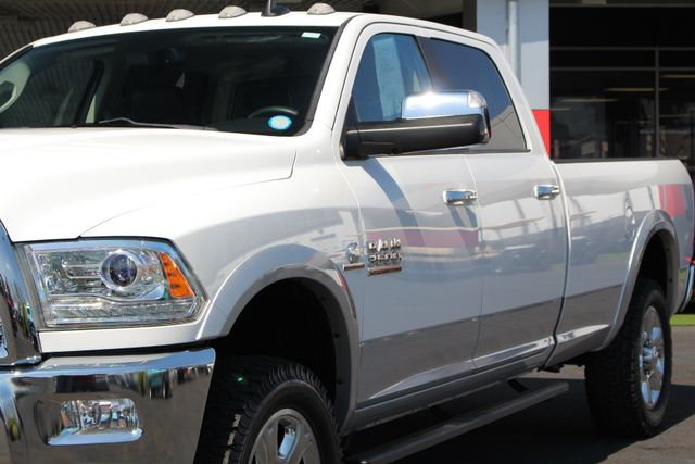 2015 Ram 3500 Laramie Crew Cab Long Bed 4x4 - LIFTED - 6SP! Mooresville , NC 27