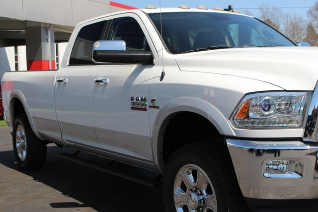 2015 Ram 3500 Laramie Crew Cab Long Bed 4x4 - LIFTED - 6SP! Mooresville , NC 26