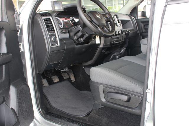 2015 Ram 3500 Crew Cab 4x4 - TRUE MANUAL SHIFT-SINISTER DIESEL! Mooresville , NC 32