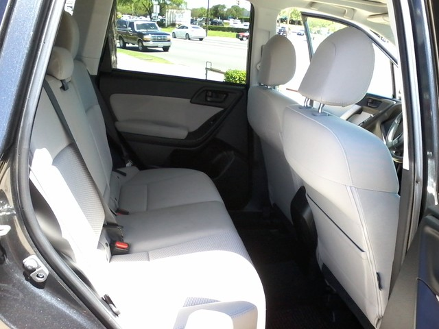 2015 Subaru Forester 2.5i Premium San Antonio, Texas 10