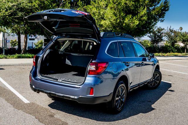 2015 Subaru Outback 2.5i Premium - AUTO - HTS STS - BACK UP CAMERA Reseda, CA 11