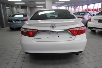 2015 Toyota Camry SE W/ BACK UP CAM Chicago, Illinois 5