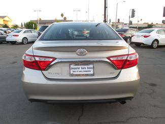 2015 Toyota Camry SE Costa Mesa, California 4