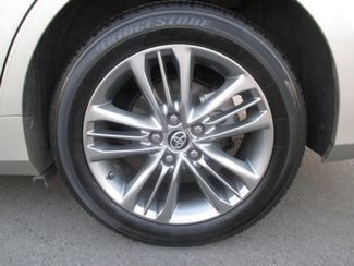 2015 Toyota Camry SE Costa Mesa, California 6