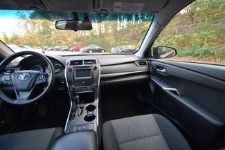 2015 Toyota Camry Hybrid LE Naugatuck, Connecticut 15