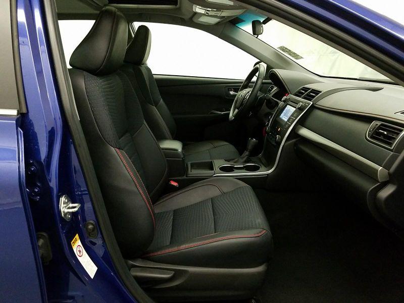 2015 Toyota Camry SE  in Minnetonka, Minnesota