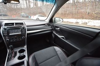 2015 Toyota Camry SE Naugatuck, Connecticut 14