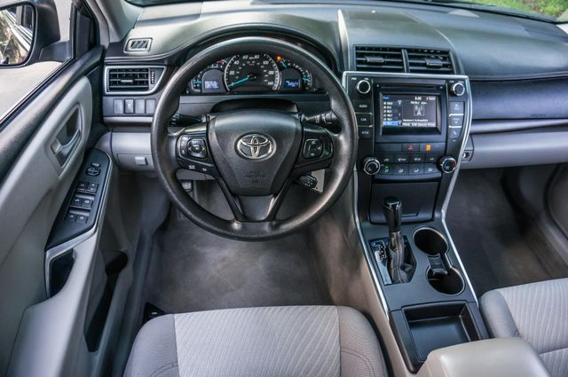 2015 Toyota Camry LE Reseda, CA 19