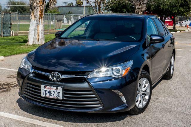 2015 Toyota Camry LE Reseda, CA 42