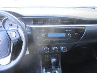 2015 Toyota Corolla LE Farmington, Minnesota 4