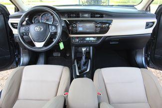 2015 Toyota Corolla LE Sealy, Texas 32