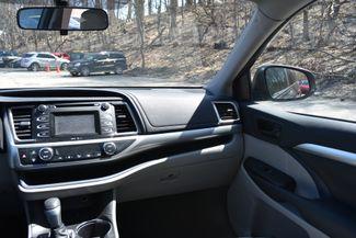 2015 Toyota Highlander LE Naugatuck, Connecticut 17