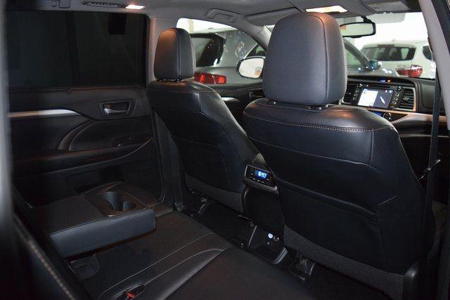 2015 Toyota Highlander XLE Richmond Hill, New York 27