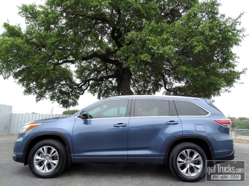 2015 Toyota Highlander XLE 3.5L V6 AWD in San Antonio Texas