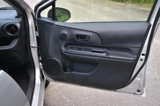 2015 Toyota Prius c Naugatuck, Connecticut 10
