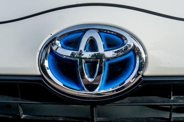 2015 Toyota Prius c Two Reseda, CA 46