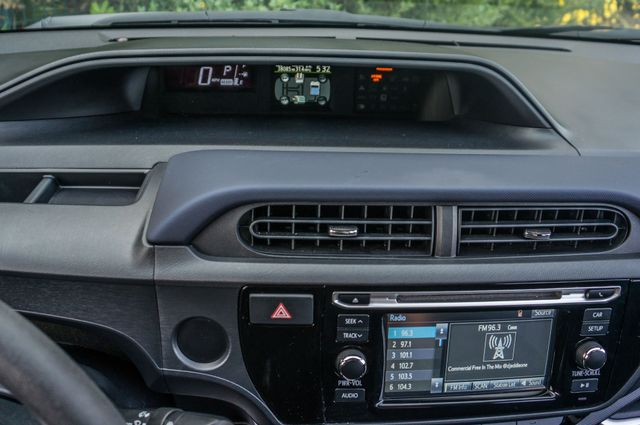 2015 Toyota Prius c Two Reseda, CA 15