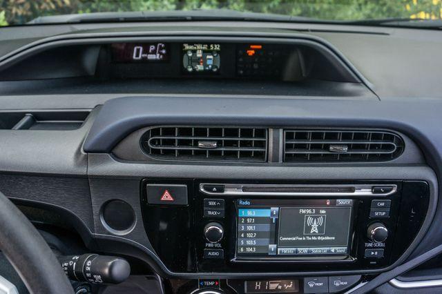 2015 Toyota Prius c Two Reseda, CA 17