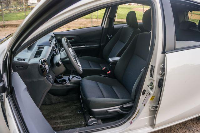 2015 Toyota Prius c Two Reseda, CA 29