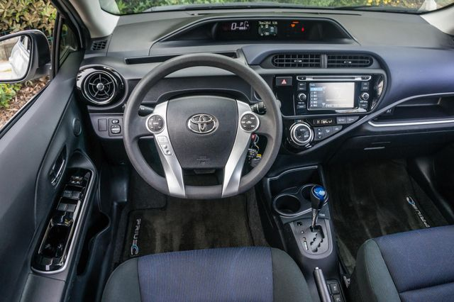 2015 Toyota Prius c Two Reseda, CA 19