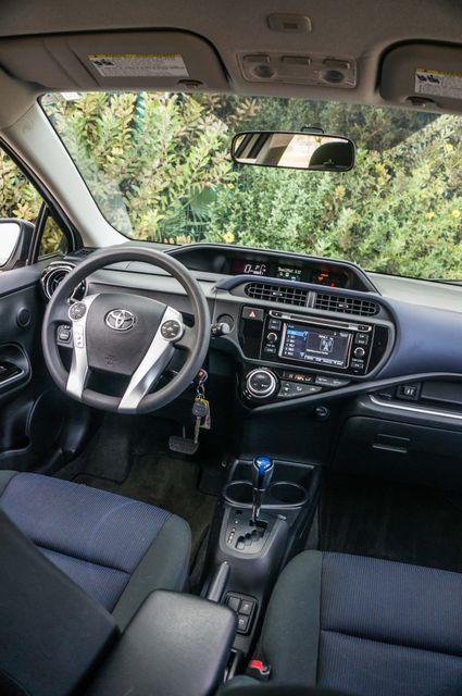 2015 Toyota Prius c Two Reseda, CA 35