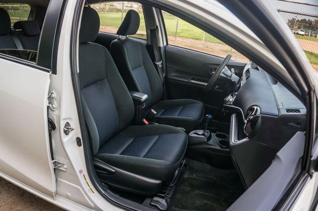 2015 Toyota Prius c Two Reseda, CA 31