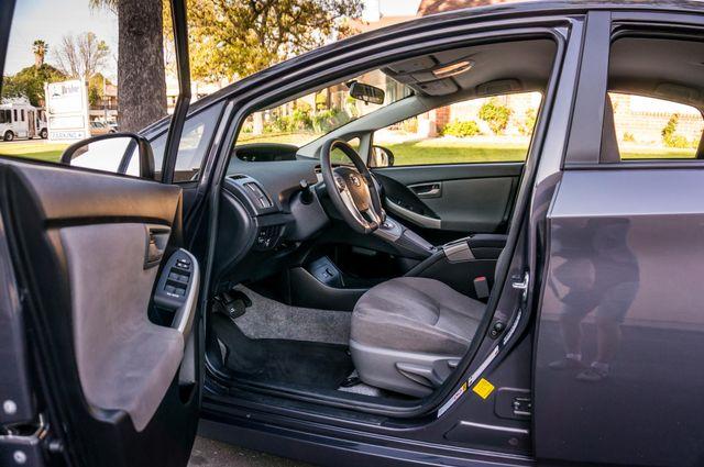 2015 Toyota Prius Two Reseda, CA 14