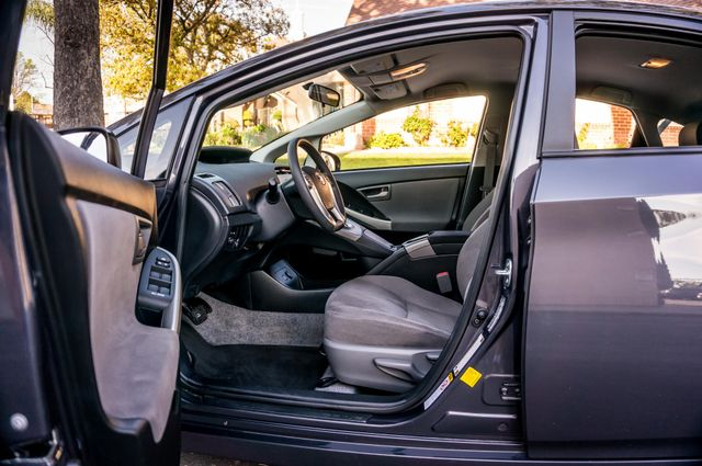 2015 Toyota Prius Two Reseda, CA 39