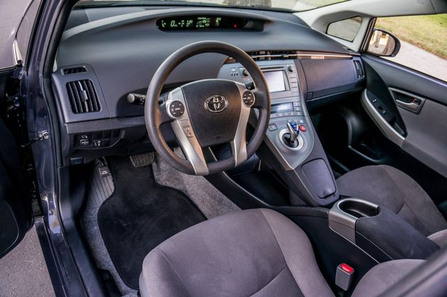 2015 Toyota Prius Two Reseda, CA 16
