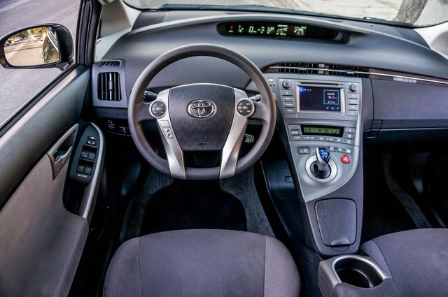2015 Toyota Prius Two Reseda, CA 20