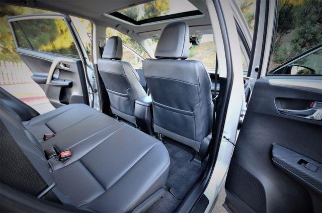 2015 Toyota RAV4 Limited Reseda, CA 32