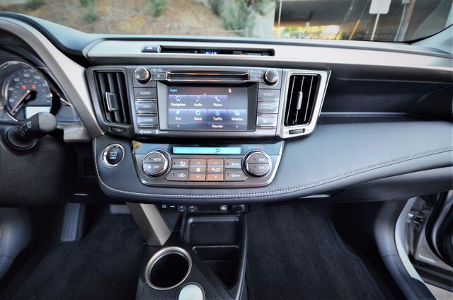 2015 Toyota RAV4 Limited Reseda, CA 13