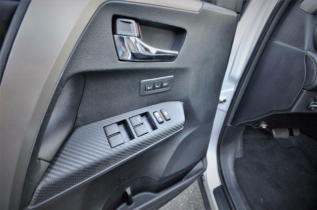 2015 Toyota RAV4 Limited Reseda, CA 38