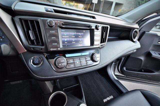 2015 Toyota RAV4 Limited Reseda, CA 17