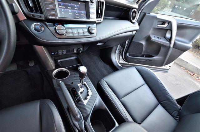 2015 Toyota RAV4 Limited Reseda, CA 40