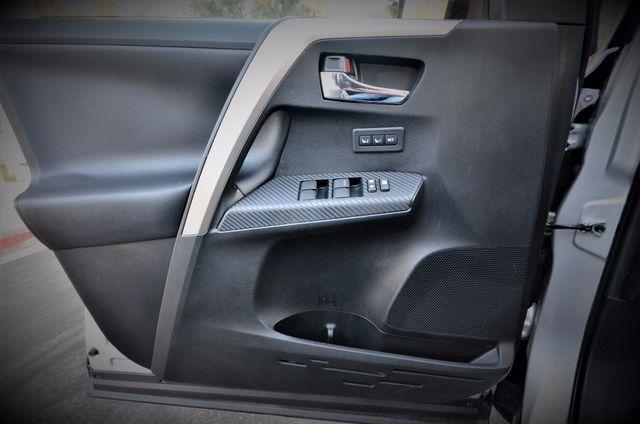 2015 Toyota RAV4 Limited Reseda, CA 42