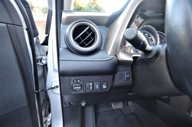 2015 Toyota RAV4 Limited Reseda, CA 43