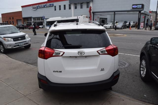 2015 Toyota RAV4 LE Richmond Hill, New York 3