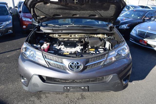 2015 Toyota RAV4 LE Richmond Hill, New York 3