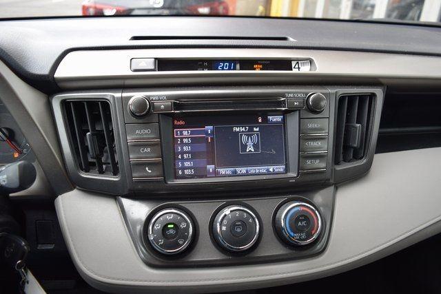 2015 Toyota RAV4 LE Richmond Hill, New York 26