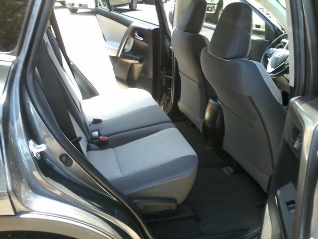 2015 Toyota RAV4 XLE San Antonio, Texas 10