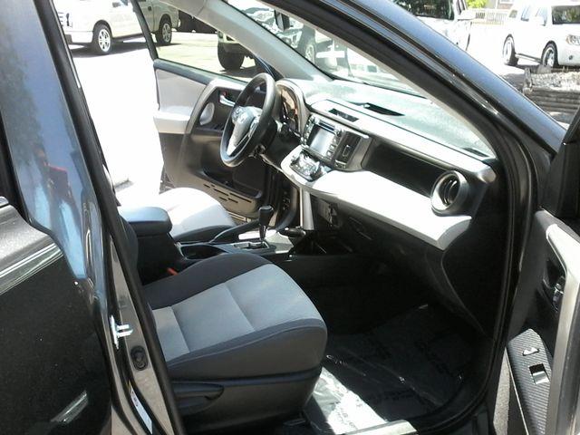 2015 Toyota RAV4 XLE San Antonio, Texas 11