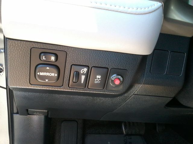 2015 Toyota RAV4 XLE San Antonio, Texas 23