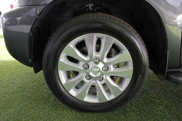 2015 Toyota Sequoia Platinum 4WD - NAV - REAR DVD - SUNROOF! Mooresville , NC 24
