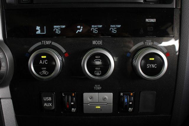 2015 Toyota Sequoia Platinum 4WD - NAV - REAR DVD - SUNROOF! Mooresville , NC 42
