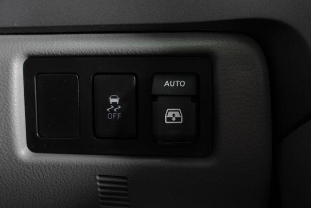 2015 Toyota Sequoia Platinum 4WD - NAV - REAR DVD - SUNROOF! Mooresville , NC 38