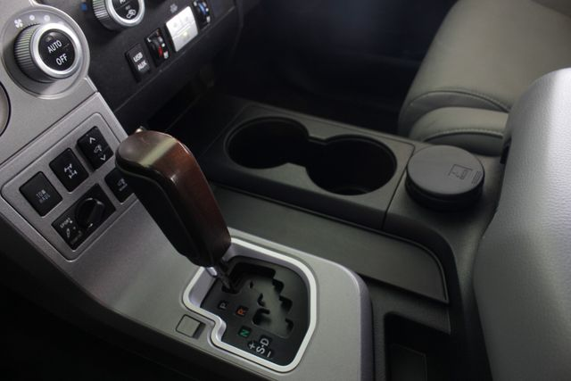 2015 Toyota Sequoia Platinum 4WD - NAV - REAR DVD - SUNROOF! Mooresville , NC 43